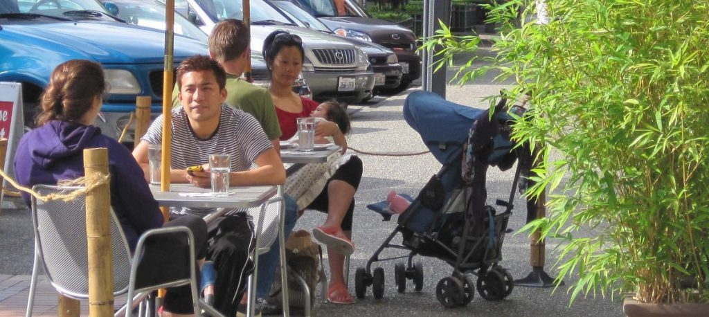 Downtown Tacoma sidewalk dining.